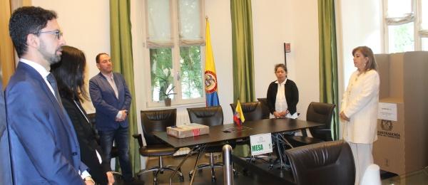Con normalidad avanza la jornada de elecciones en el Consulado en Milán